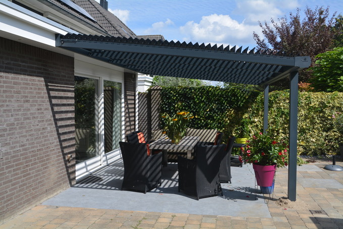 SUNSHIELD Horizon Louver Roof, Private Home, NL